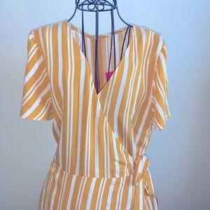 Short-Sleeve V-Neck Wrap Back Zipper Dress Medium